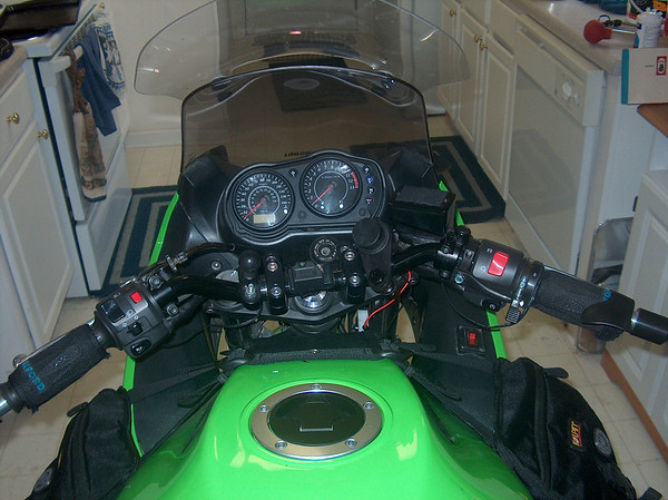 First I Ditched The Stock 650r Handlebars Because Didnt Like Their Ergonomics Replaced Em With A Pair Of FZ1 Off Gen